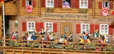 Ausflugsbetrieb_in_der_Klettersteig-Htte_IMG_3030